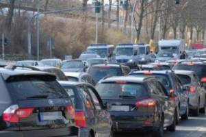 Verkehr in Hamburg: Viele Staus in und um Hamburg am Montagmorgen
