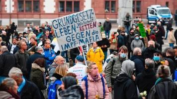 corona-demo in dortmund: maskenverweigerer mit gefälschten attesten erwischt