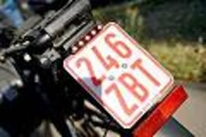 Mehrheit der Unfälle von Radfahrern verursacht - Mehr Unfälle, mehr Aggressivität: Berliner Polizei denkt über Fahrrad-Kennzeichen nach