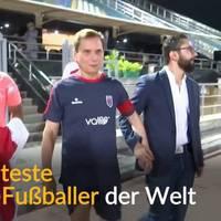 Video: Der älteste Profi-Fußballer der Welt