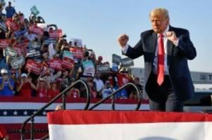 US-Wahl: US-Präsident Trump tanzt – und wird im Netz verspottet