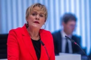 Landtag: Forderung: Mehr parlamentarische Mitsprache in Corona-Krise