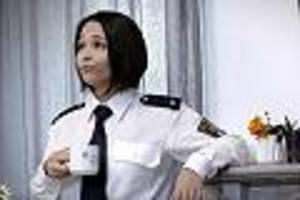 lena beyerling - bekannt aus dem fernsehen: polizeischülerin entblößt sich für geld im internet