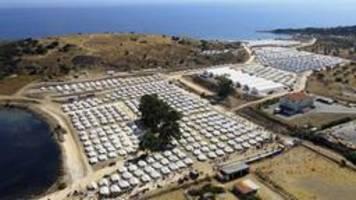 flüchtlinge auf lesbos: sogar in moria war es besser