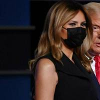 melania trump: bei der tv-debatte trägt sie maske