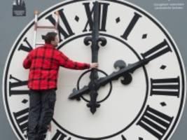 zeitumstellung: eine stunde länger schlafen - wie lange noch?
