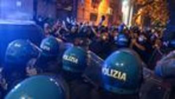 Italien: Proteste gegen neue Corona-Beschränkungen