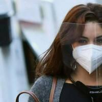 Vanessa Hudgens: Schauspielerin wählt doppelten Maskenschutz