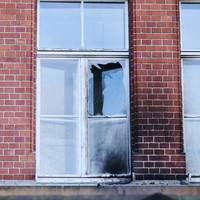 Brandsätze geworfen: Polizei: Gebäude des Robert Koch-Instituts angegriffen