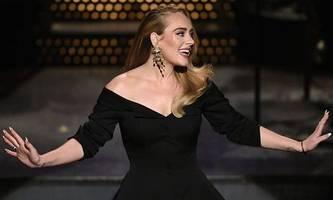 Wenig Gewicht erlaubt: Erschlankte Adele witzelt im US-TV über Gewichtsverlust
