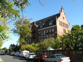 berlin: brandsätze gegen gebäude des robert koch-instituts geworfen