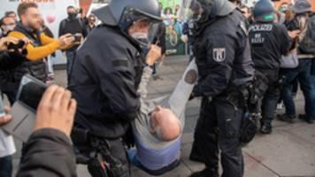 Berlin: Demo gegen Corona-Maßnahmen gestoppt