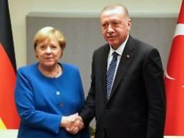 bundesregierung belegt kontakte: erdogan eng mit islamisten verbandelt