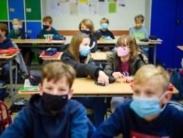 Ferienende in acht Bundesländern: Corona-Regeln in Schulen gehen auseinander