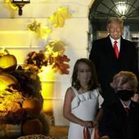 halloween: donald trump trifft auf mini-doppelgänger