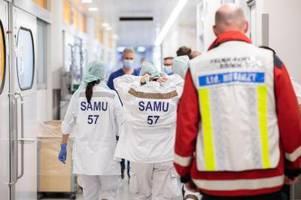Immer mehr Corona-Intensivfälle: Kliniken verschieben OPs