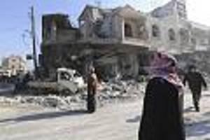 Angaben von Aktivisten - Mehr als 30 Tote bei russischen Luftangriffen in Syrien