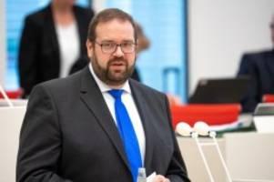 Parteien: CDU-Generalsekretär: Merz nicht der richtige Kandidat