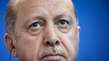 Ein Konflikt unter vielen - Charlie Hebdo: Weiterer Keil zwischen Erdogan und Macron