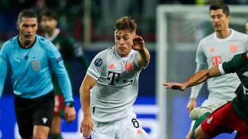 Gegen Lok Moskau: FC Bayerns Joshua Kimmich läuft mit falschem Trikot auf