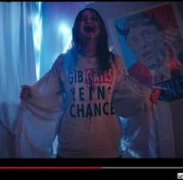 Gruselclip: Kurzfilm auf Youtube: Ein Exorzist bringt Corona-Leugner auf den rechten Weg