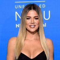 Starke Symptome: Khloé Kardashian spricht über frühere Covid-19-Erkrankung
