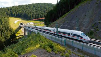 Deutsche Bahn: Mitten in der Krise: Ausgerechnet die Bahn wird zum Angreifer