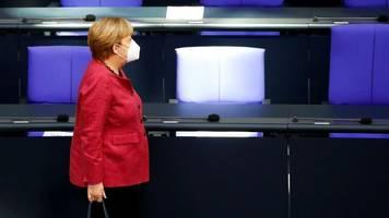 Regierungserklärung im Bundestag: Merkel verteidigt harte Einschnitte gegen Corona