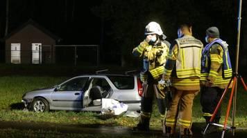 Kempen am Niederrhein - Auto fährt in Menschengruppe: Toter und Schwerverletzte