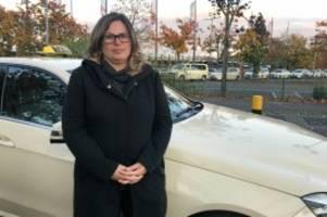 Flughafen BER: Taxifahrer bangen wegen der BER-Eröffnung