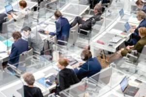 Landtag: Landtag debattiert über bevorstehenden Corona-Teil-Lockdown