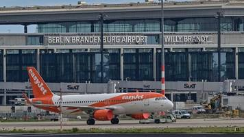 Flughafen Berlin: Fluggesellschaften starten am BER mit verringertem Angebot