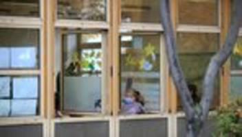 Schule in Corona Zeiten: Fenster auf, Corona raus