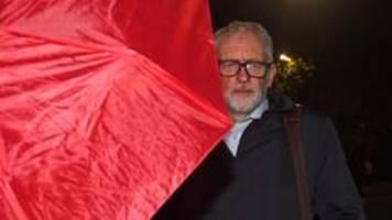 corbyn nach suspendierung wieder labour-mitglied
