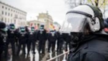 proteste gegen die corona-politik: die brutalität der gewalt war immens