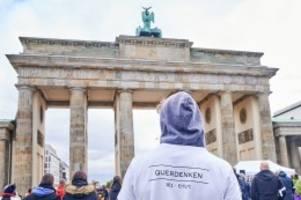 """Protest: Corona-Demos: """"Querdenker"""" wollen an Silvester nach Berlin"""