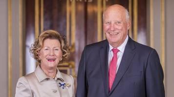 corona am hof: norwegisches königspaar in quarantäne