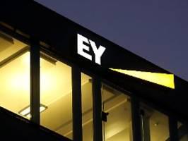 Ein Prüfer, viele Skandale: Sind die Kontrolleure von EY unfähig?