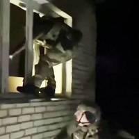 Bodycam-Video aus Russland: Nach 52 Tagen: Polizei befreit entführten Jungen aus den Fängen eines Pädophilen