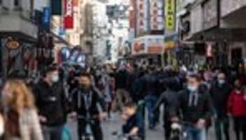 Coronavirus: Bund und Länder verschärfen Lockdown-Pläne – Bundesweit frühere Ferien