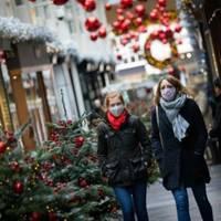 Großbritannien will Corona-Beschränkungen über Weihnachten lockern