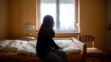 hilfsorganisationen fordern mehr plätze in frauenhäusern