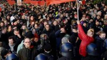 Experte zu Corona-Protesten: Es entstehen Gegengemeinschaften zur Politik