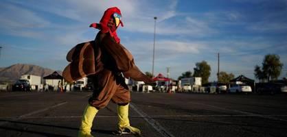 """""""Besser Thanksgiving via Zoom als Weihnachten auf der Intensivstation"""""""