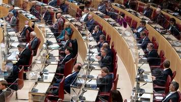 Landtag führt wöchentliche Regierungsbefragung zu Corona ein