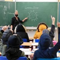 News zum Coronavirus: Brandenburg führt flächendeckende Maskenpflicht ab siebter Klasse ein