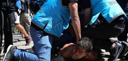 Zusammenstöße bei Totenwache für Maradona – Polizei setzt Wasserwerfer ein