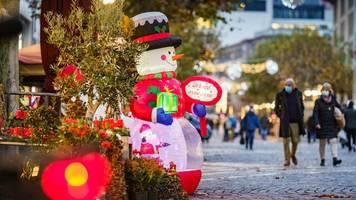Modellrechnung: So könnten sich die lockeren Kontaktregeln zu Weihnachten auf die Fallzahlen auswirken