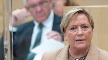 Eisenmann: Lehrer nicht zu Notbetreuung zwangsverpflichten