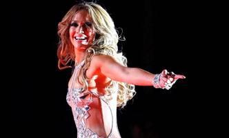 Jennifer Lopez begeistert in freizügiger Pose
